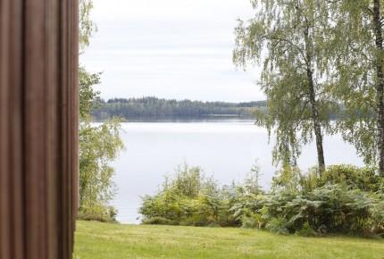Romantischer Blick aus dem Ferienhaus in Schweden