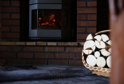 Romatischer Kamin im Ferienhaus